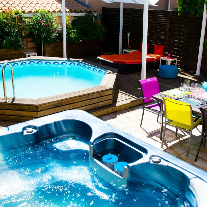 Are absolutely naturist pool party